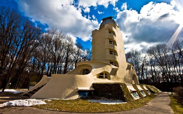 برج آینشتاین معروف به رصدخانه هابیت